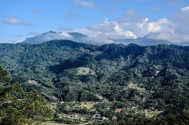 象、神稜線東南遠眺鵝公髻山、鳥嘴山等五峰天際線 (3)