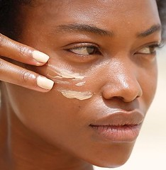 Want the best primers for acne prone skin? Check out these ones here.