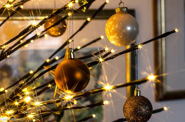 An Alternative Christmas Tree (ii)