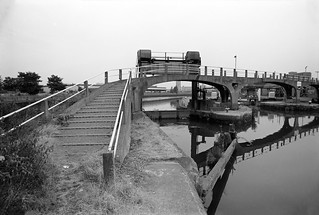 Bow Creek, Bow Locks, Hackney, Tower Hamlets, 1983 36v-52_2400