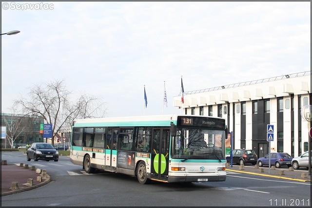 Heuliez Bus GX 317 (Renault Citybus) – RATP (Régie Autonome des Transports Parisiens) / STIF (Syndicat des Transports d'Île-de-France) n°1060