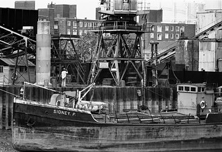 J J Prior, Ship Repairs, Orchard Wharf, Bow Creek, Leamouth Rd, Leamouth, Tower Hamlets, 1982 36v-36 (2)_2400
