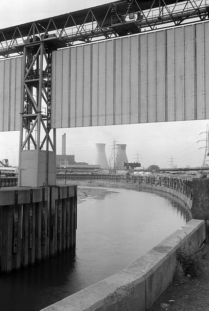 Flood Barrier, Bow Creek, Newham, Tower Hamlets, 1983 36a-23_2400
