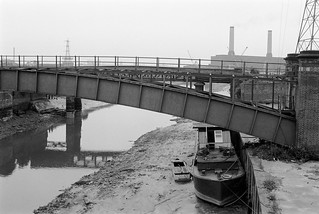Bow Creek, East India Dock Rd, Poplar, Tower Hamlets, Newham, 198232f-24_2400
