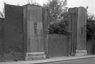 East India Dock Gates, Leamouth Rd, Leamouth, Tower Hamlets, 19882 32e-14_2400