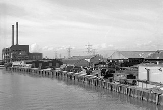 Bow Creek, West Ham Power Station, East India Dock Rd, Newham, 1989 89-4c56_2400