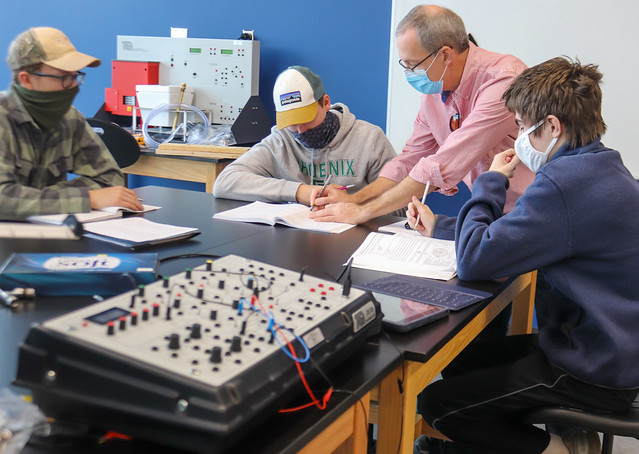 Resolute Physics Students Power Through Pandemic