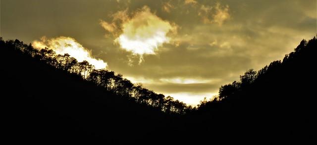 Le soleil se couche dans la vallée du Var.