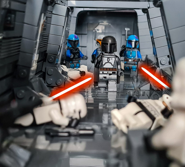 LEGO STAR WARS THE MANDALORIAN Season 2 – Inside the Gozanti cruiser