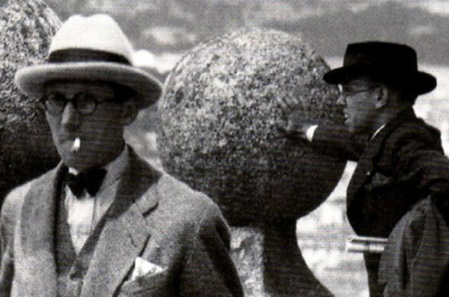 Fernando García Mercadal con Le Corbusier en 1928 en El Escorial