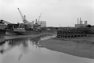 J J Prior, Ship Repairs, Orchard Wharf, Bow Creek, Leamouth Rd, Leamouth, Tower Hamlets, 1982 32f-54p_2400