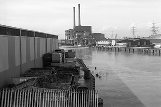Bow Creek, West Ham Power Station, East India Dock Rd, Tower Hamlets, Newham, 1989 89-4c55_2400
