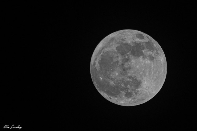 Waxing Gibbous Moon 99.9%
