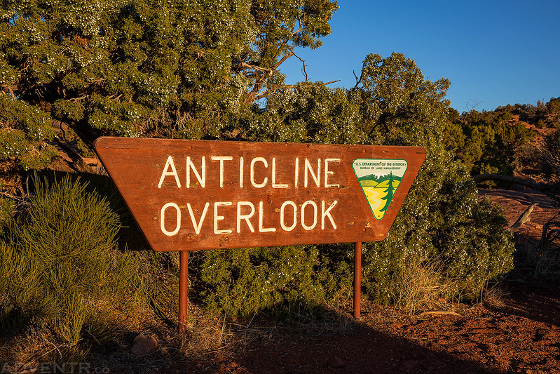 Anticline Overlook Sign