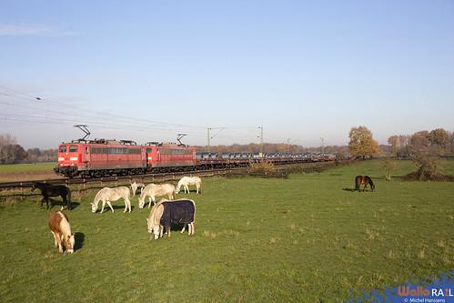 151 028 + 151 048 . 60715 . Ossum-Bösinghoven , Meerbusch . 29.11.20.