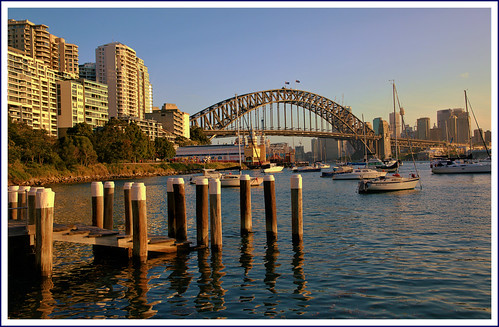 piers wharf bay lavenderbay sydney harbour sydneyharbour sydneyharbourbridge sunset boats yachts milsonspoint apartments sydneyskyline