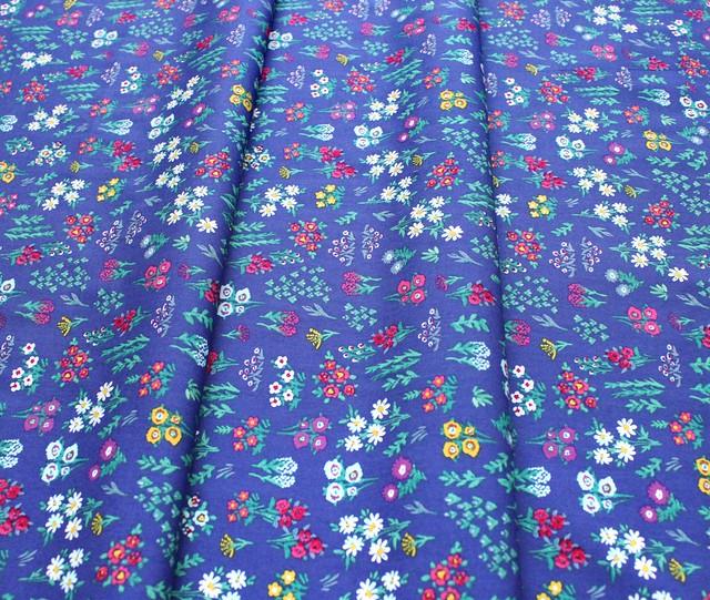 Art Gallery Fabrics Aquarelle Floral Pigments Wet