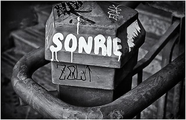 Sonrie (Smile)