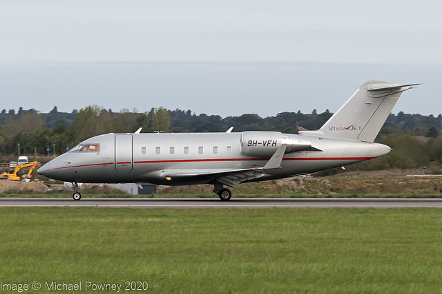 9H-VFH - 2014 build Bombardier Challenger 605, rolling for departure on Runway 25 at Luton