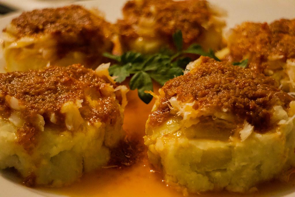 Batata con salsa de azafran preparada en Teno