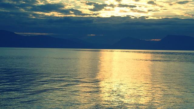 Η  μάχη του ήλιου με τα σύννεφα στη Νικιάνα Λευκάδας