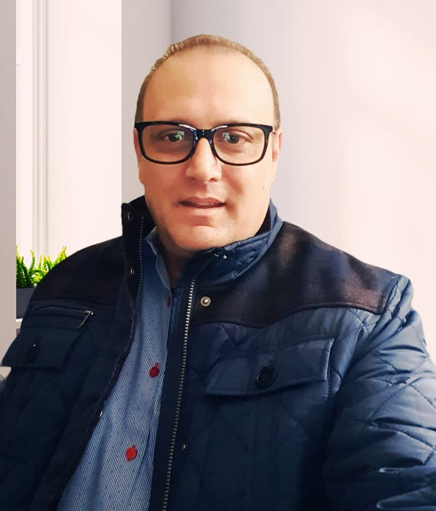Roger Vadocz CEO of SouvenirNagykeseskedes.com