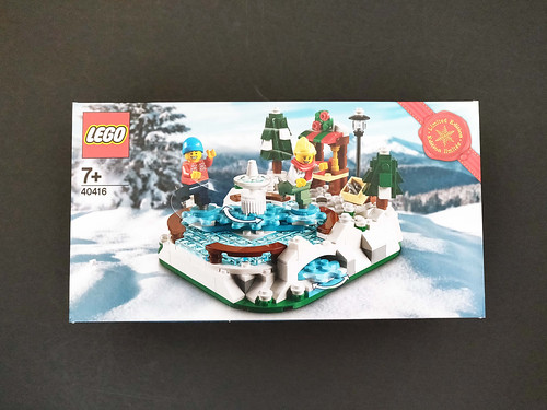 LEGO Seasonal Ice Skating Rink (40416)