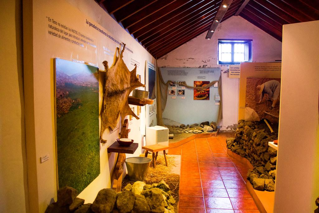 Interior del museo del parque rural de Teno en Tenerife