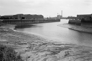 Bow Creek, River Thames, Blackwall Point, Power Station, Trinity Buoy Wharf, Newham, Tower Hamlets, 1983 35t-34 (2)_2400