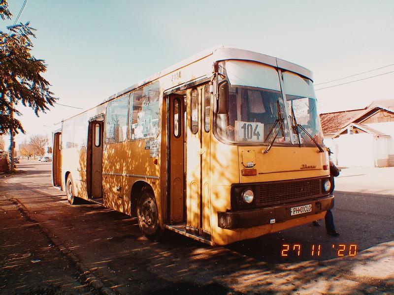 Autobuz Ikarus 260.02 #2120 în linia 104 al TCE Ploiești