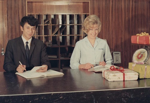 NZ Post Office: History - Wellington: Director-General's Christmas card taken at public counter