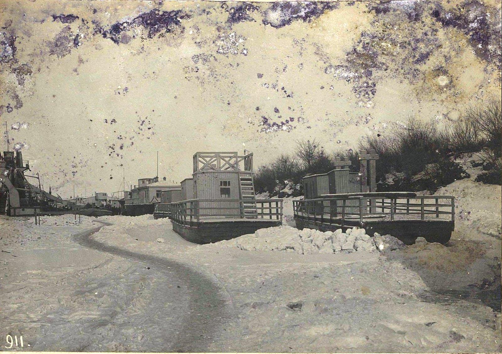 911 Корабли на зимней стоянке