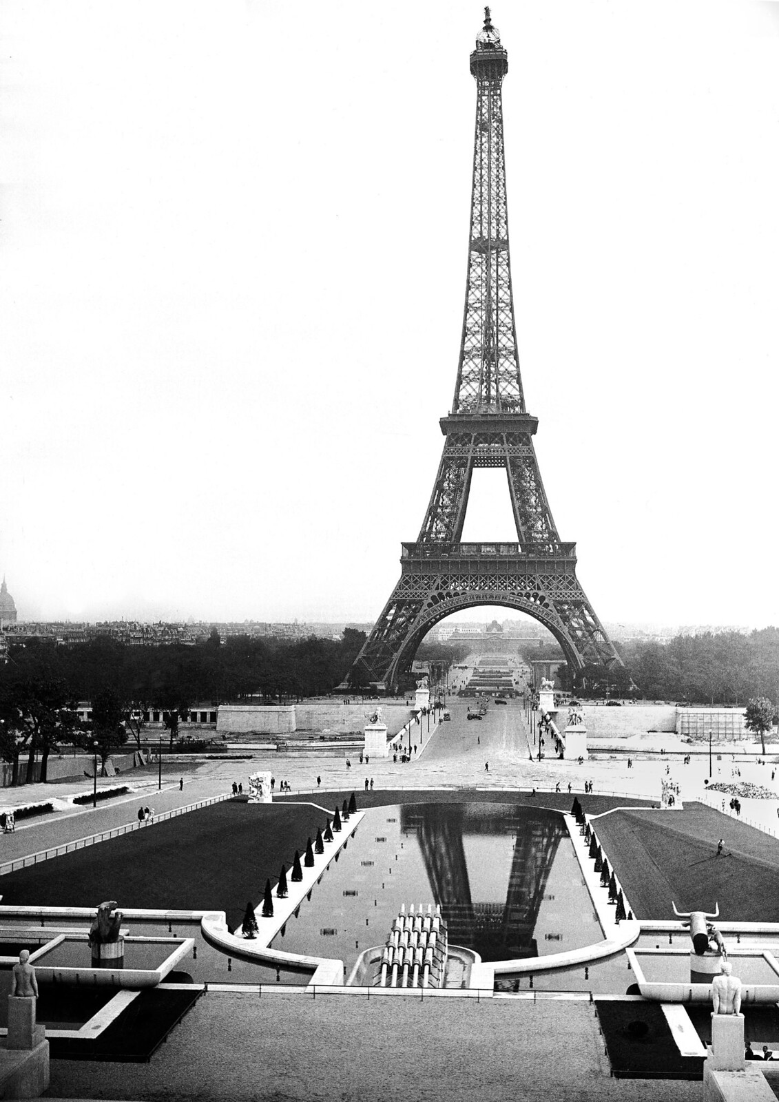 05. 1938. Эйфелева башня