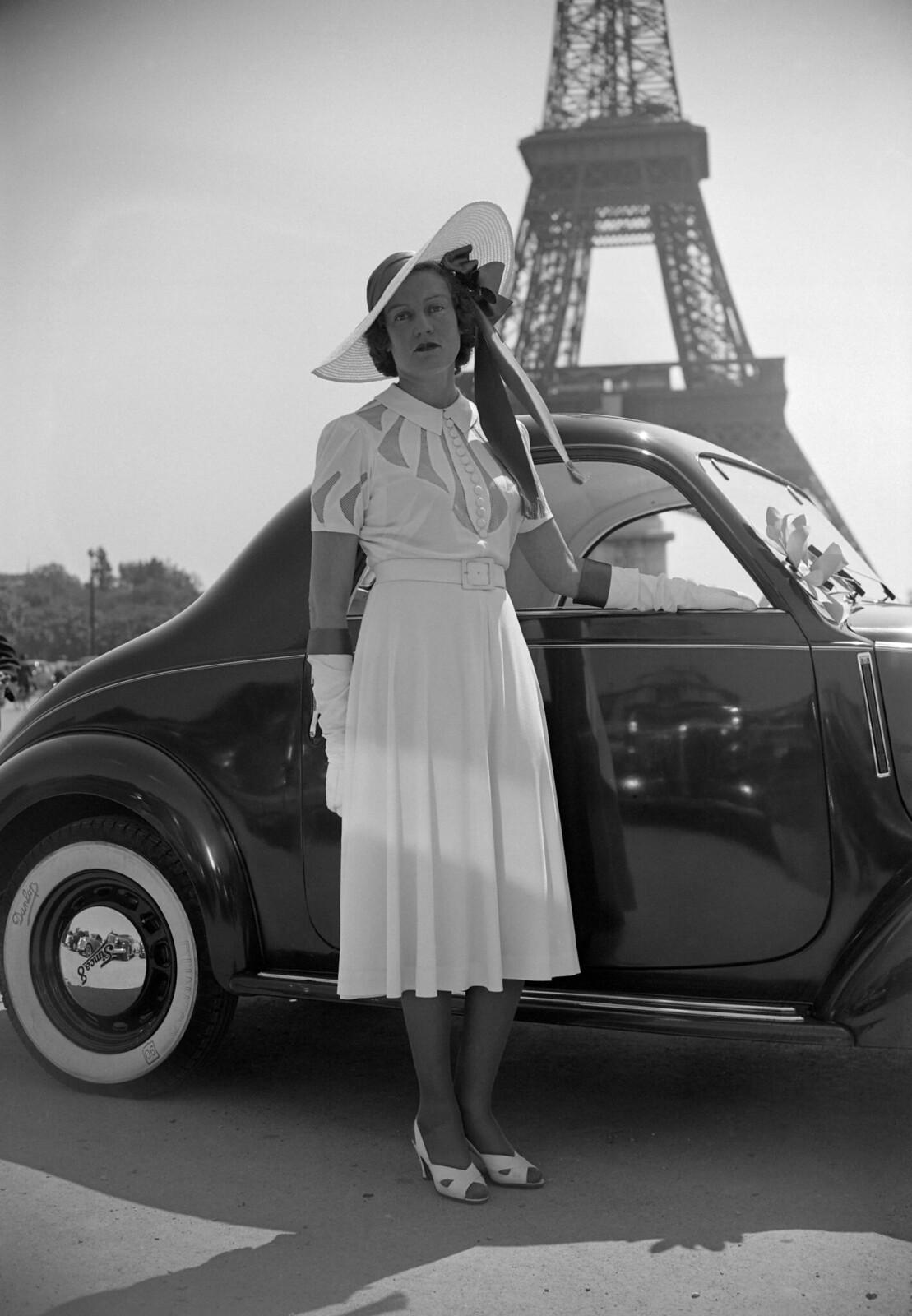 12. 1939. Конкурс на звание Мисс мотоэлегантность