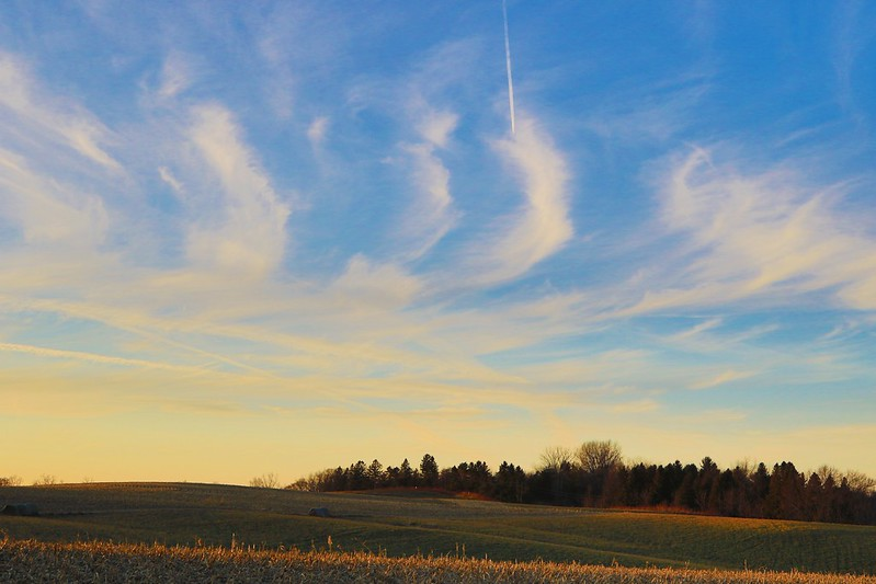 cirrus clouds at sunset over Lake Meyer Park IA 653A7810