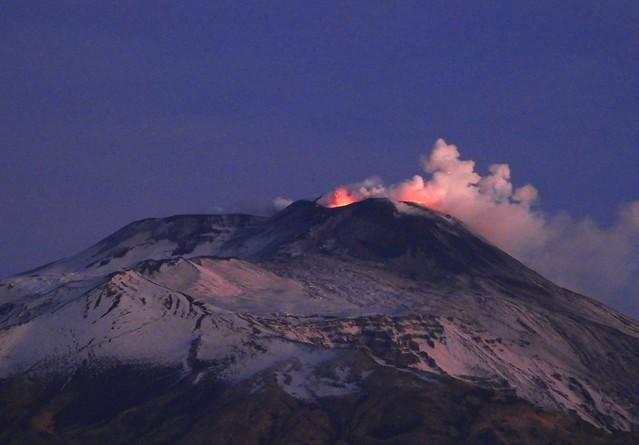 A fiery daybreak at Etna - 2 December 2020