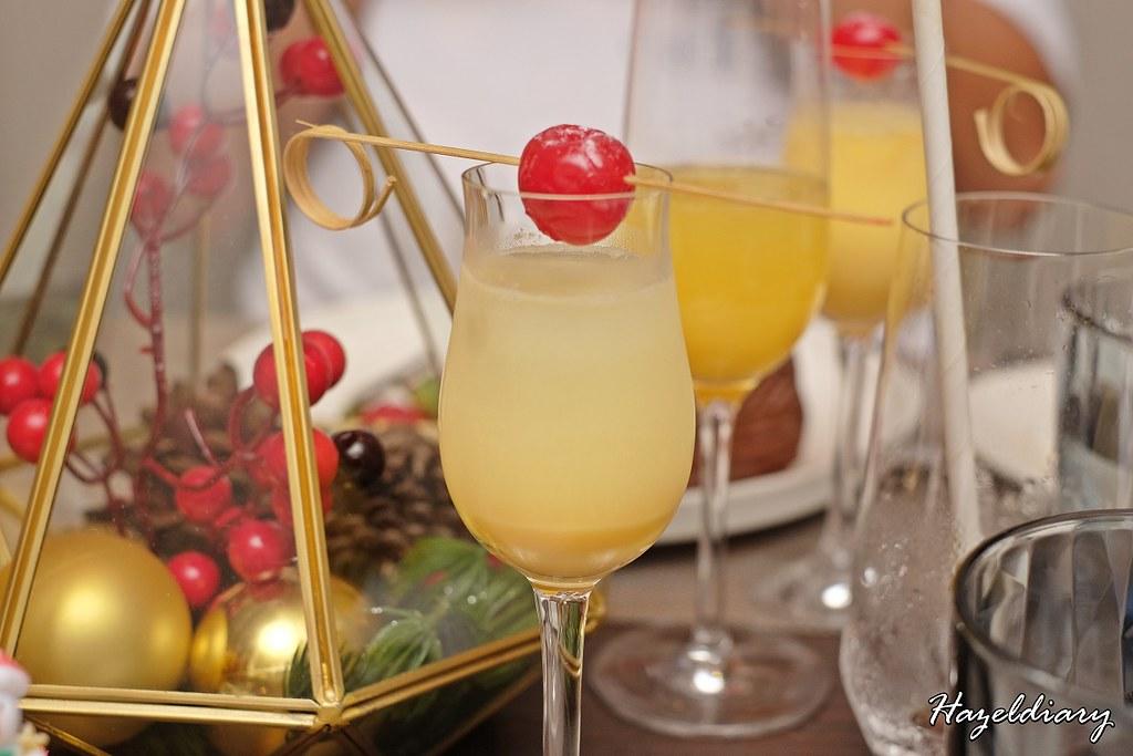 Snowball cocktail-Oakwood Premier