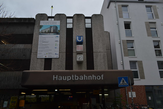 Eingang zum Bonner Hauptbahnhof von Quantiusstraße aus (137FJAKA_4933)