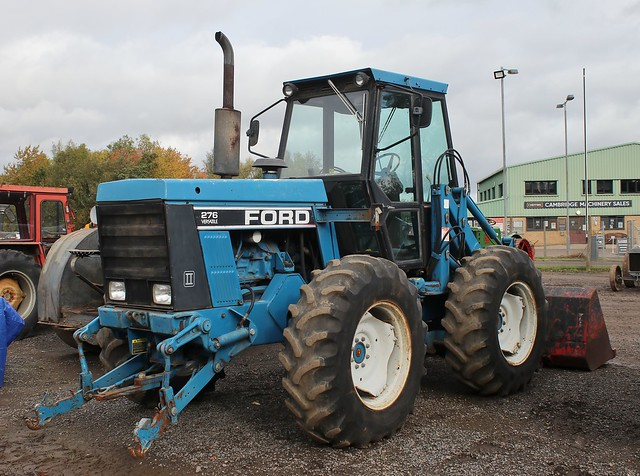 Ford Versatile 276 4WD II articulated loader tractor