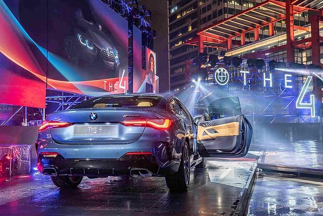 [新聞照片五] 跑車專屬的無窗框設計搭配優雅斜背,盡顯BMW雙門跑車兼具美學與動感的帥氣風範