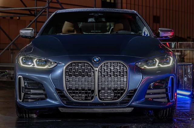 [新聞照片四] 全新世代BMW 4系列雙門跑車展演品牌DNA,展現誰與爭鋒的懾人氣勢