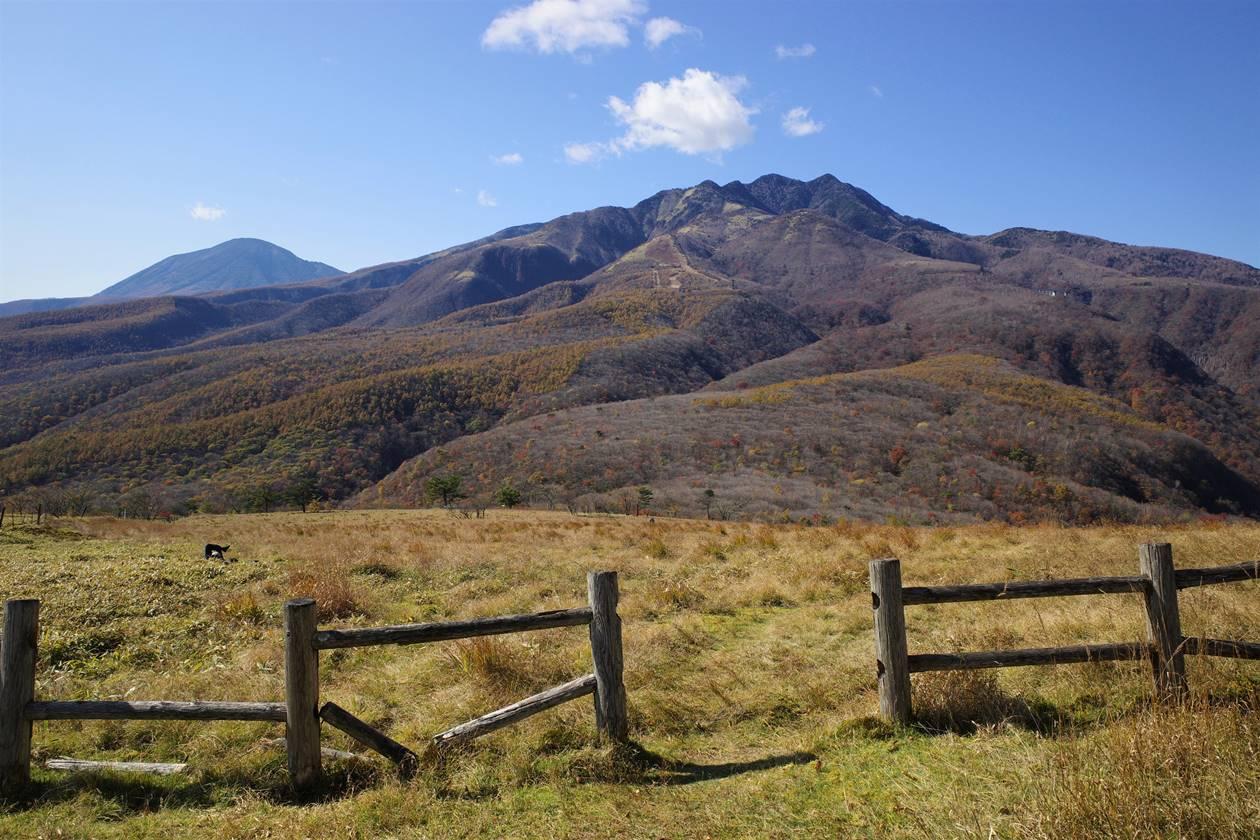 日光・大山から眺める男体山と女峰山