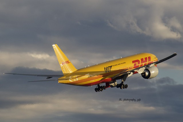 DHL /Boeing 777F D-AALM YYZ airport