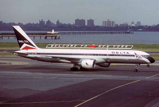 N612DL Boeing 757-232