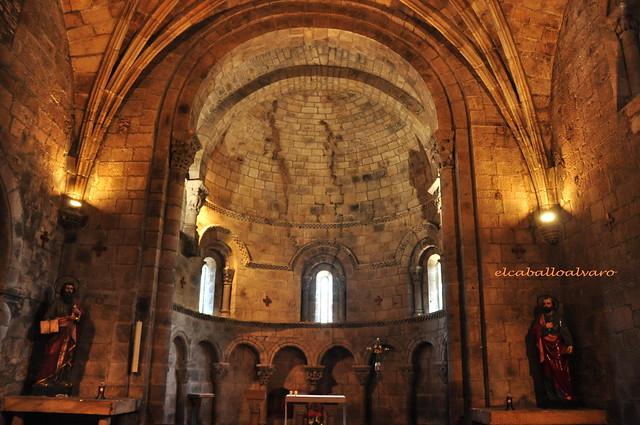 740 – Interior - Colegiata San Pedro de Cervatos – Cantabria - Spain.