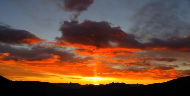 02 décembre 2020, coucher du soleil incandescent.
