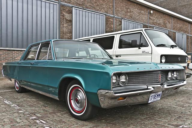 Chrysler Newport Sedan 1968 (7384)