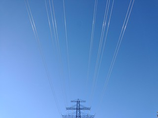 Blue with wires #toronto #stclairgardens #winter #blue #sky #powerlines #wires #dlws