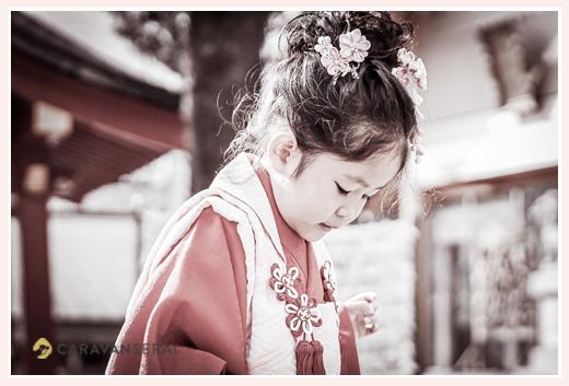 七五三 3歳の女の子 モノクロ写真