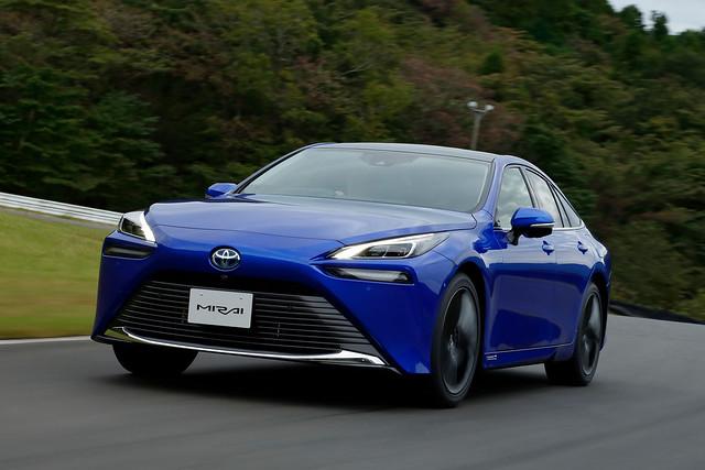 Toyota-Mirai-2